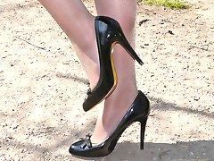 Every man who has a shoe fetish is well aware, being close to a woman who wears high heels is an...