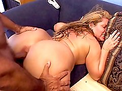 Plump hot momma with hairy cunt gets deep nailing