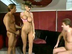 Teen hottie masturbating with her wet panties
