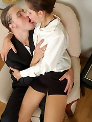 Steamy secretary in sexy tights squeezing her tits while blowing rocky rod