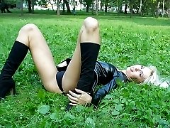 hot babe posing in public