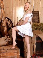 Farm Girl Sucks her Bare Toes