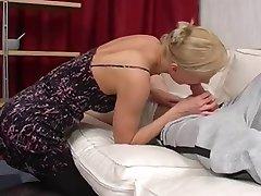 Amateur - Short Hair Blond Mature Fist & Ass fuck