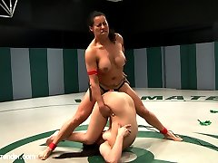 Two Ultimate Surrender rookies, though both very experienced, battle it out in non-scripted...