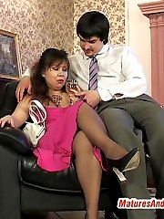 Salacious mature chick eagerly giving pantyhosejob and playing nylon games