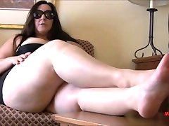BBW feet, foot mistress with slave