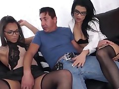 SHEMALE ORGY, GUY, SHEMALE AND HUNGRY GIRL. BIG COCK SHEMALE FUCK