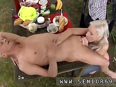 Emo bbw blowjob and lesbian groping and