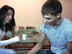 18 Videoz - Kitchen sex with teen neighbor