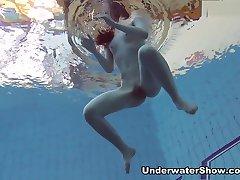 UnderwaterShow Video: Roxalana