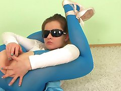 woman flexible 01