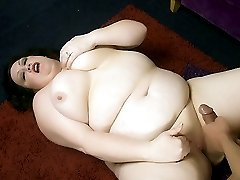 Pretty mature BBW Matalla examines a dick with her mouth before taking it in her cooze