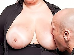 Desperate fattie in sexy outfit fucked by employer at her first job interview