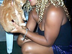 Mrs Honey is a sexy sophisticated black woman. Cum see her bear all of her assets while being...