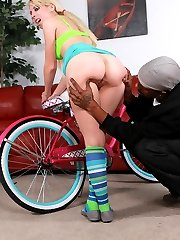 Lauren Nicole\'s fat white ass loves the cock so much, she can\'t