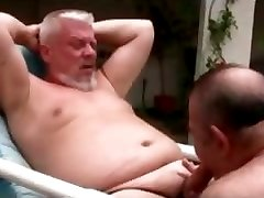Gay bear homos sucking cock and jerking part4