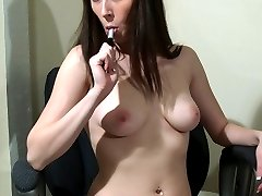Luscious and pretty young girl Vanessa S. strips her clother in front of the computer