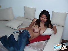 Thai gf gives a sexy titty fuck