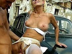 This horny mature slut does cocks in cars