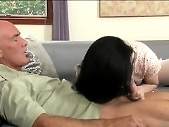 Pantyhose tranny Penny Tyler deepthroats and anal pounded