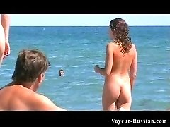 Teen nudism footagefeaturing a killer hot young girl fully nude at the beach