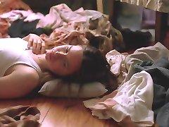 Alexandra Daddario - Babysitters 01
