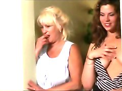 Mommy, Granny and Me - Scene 2