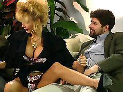 Dolly Buster - video club party