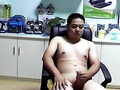 chinese bear boy jerkoff cumshot