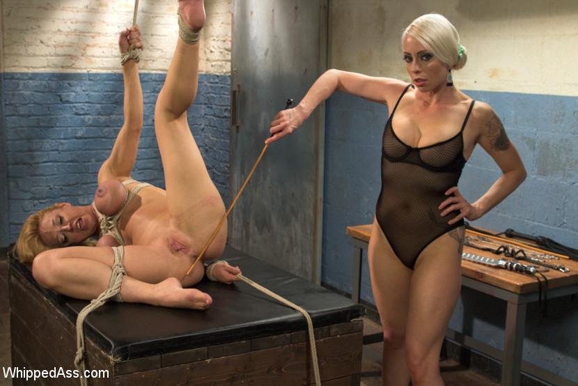 Lesbian Bondage Fisting - Photo NUDE