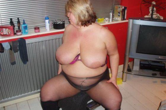 Midget sucks big dick
