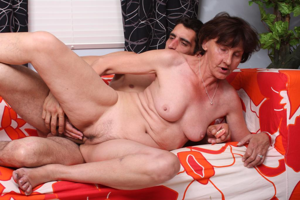 nude-pics-of-old-ladies-fucking-young-guys