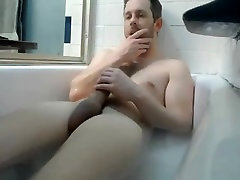 Str8 daddy play in bathtub