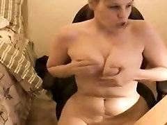 Chubby amateur masturbates on weccam