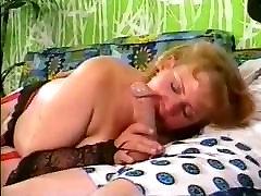 Classic mature MILF handles Mr. Dick, two cumshots
