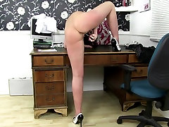 Mature brunette moms fuck their cunts with toys