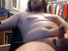 chunky bear cub wanking and having a nice cum fountain