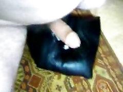 Leather cushion movement