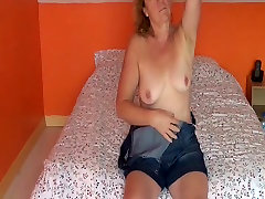 Hairy French mature masturbating