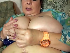 Mature BIG mom with big juicy tits and hungry cunt