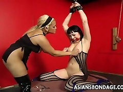 Bound bitch is spanked, clamped and abang service2 treated