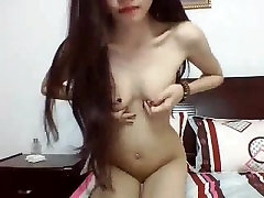 Cute Sexy Pinay Webcam Teen with Small Tits on Webcam