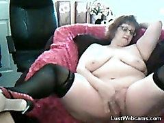 BBW granny masturbates on webcam