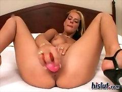 Perfect Tits Mercedes From Montreal Masturbates - Québécoise se masturbe
