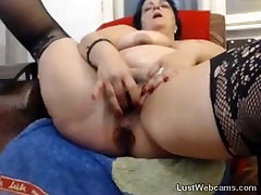 Chubby mature masturbates till squirting orgasm on webcam