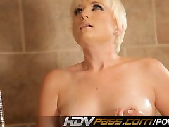 Hot Blonde Nora Skyy Spyed On