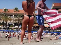 Huge natural tits seen by everyone on topless beach