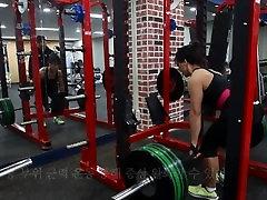 Korean Muscle mom 05