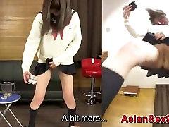 Japanese Schoolgirl Pee Desperation Game