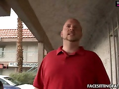 Curvaceous BBW hoe facesits the guy getting her cherry eaten